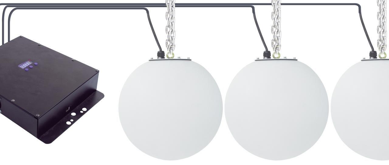LED Ball 30cm - Ripustettavia 30cm halkasijalta olevia pyöreitä lamppuja joissa RGB LEDit sisällä. Yhdellä ohjaimella voidaan ohjata yhteensä 12kpl palloja.