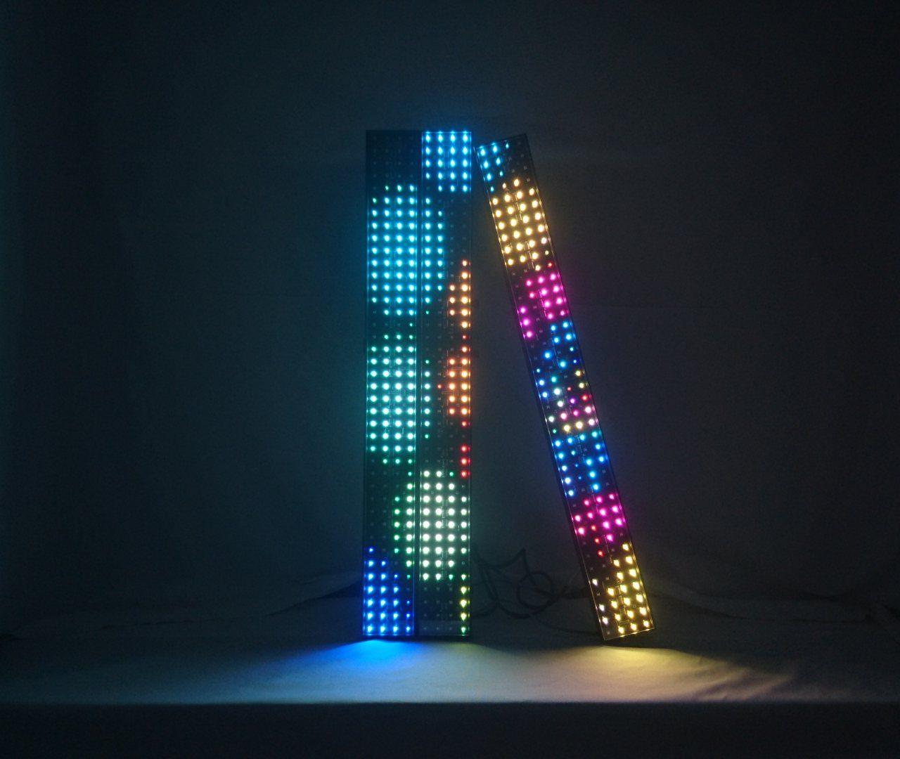 LED Pixel Bar (4x40) - LED Pixel Bar on kuin pieni ledinäyttö. Yhdessä elementissä on 160 pixeliä(4x40).